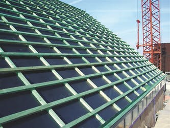 Kaschierte Unterspannbahnen bei der Dachmontage
