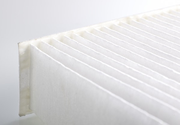 nonwoven white filter with a high initial strength